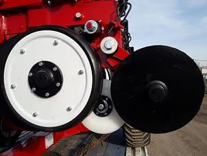ruedas niveladoras, ruedas pisagranos, tapadoras dobles de funcidion con registro a palanca